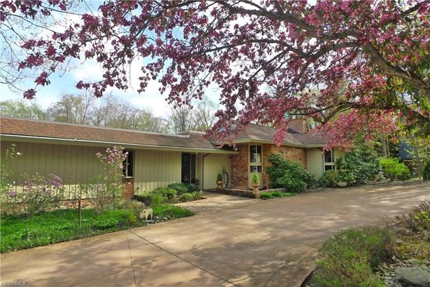 24 Hunting Hollow Dr, Pepper Pike, OH - USA (photo 2)