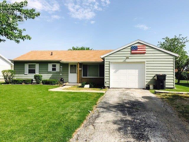 1058 Springwood Drive, Fremont, OH - USA (photo 1)