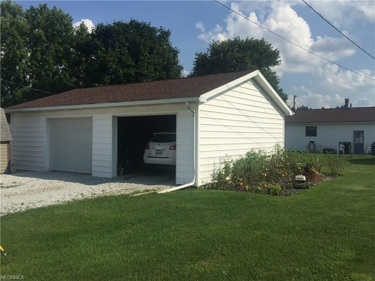 238 Maple St, Tuscarawas, OH - USA (photo 2)