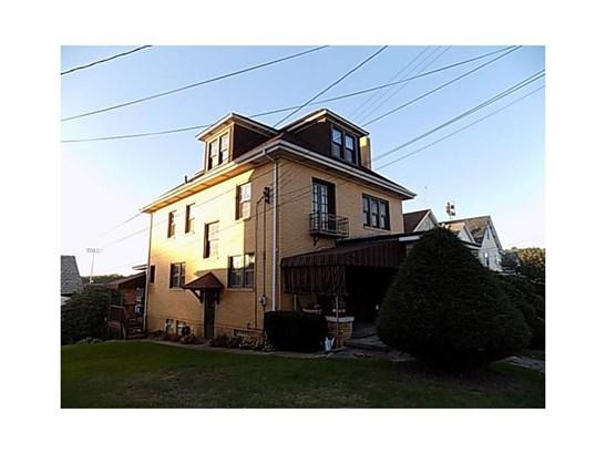 326 Jackson Avenue, Vandergrift, PA - USA (photo 2)