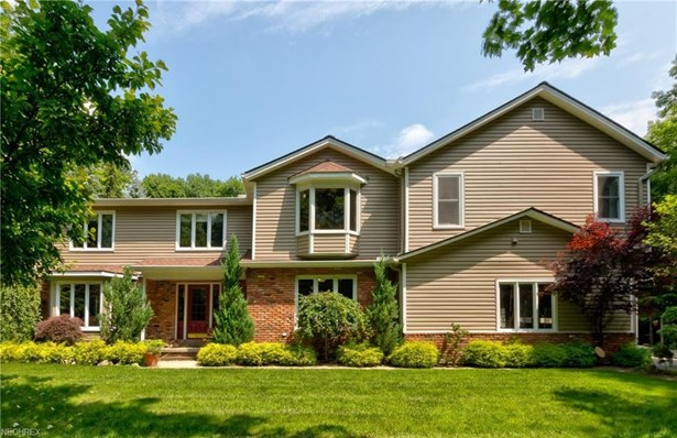 9590 Stafford Rd, Chagrin Falls, OH - USA (photo 1)
