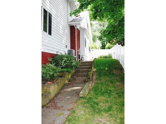 1205 Carlisle St, Natrona Heights, PA - USA (photo 2)