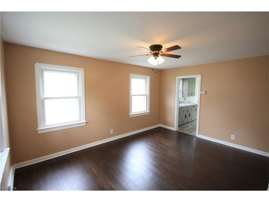 4489 W 170th St, Cleveland, OH - USA (photo 2)