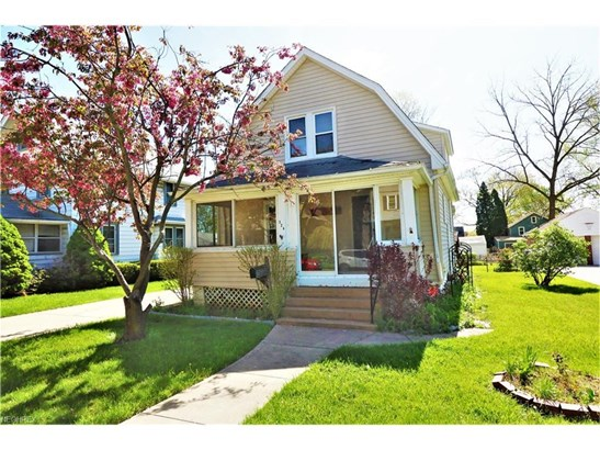 324 Ashland Ave, Cuyahoga Falls, OH - USA (photo 1)