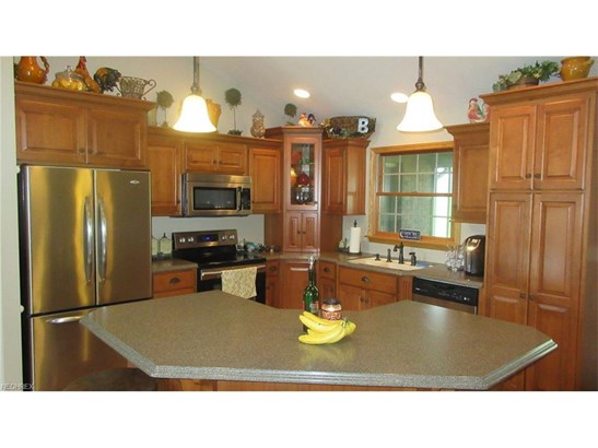3977 Clay Se Ct, Dennison, OH - USA (photo 5)