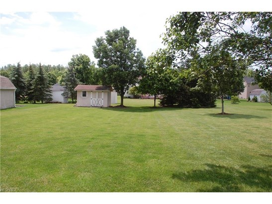 27057 Valeside Ln, Olmsted Township, OH - USA (photo 5)