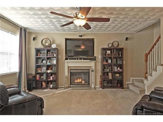 8182 Ruddock Place, Hayes, VA - USA (photo 2)