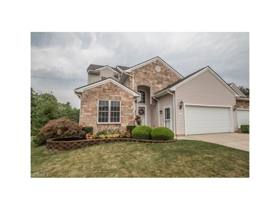 153 Stonecreek Dr, Mayfield Heights, OH - USA (photo 1)