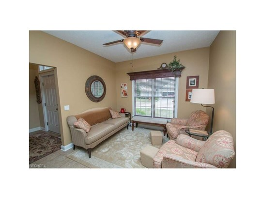 153 Stonecreek Dr, Mayfield Heights, OH - USA (photo 5)