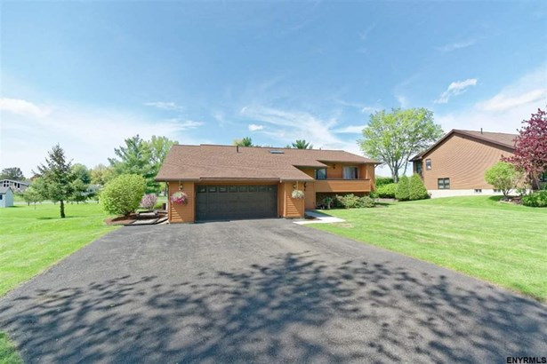 8 Tamara Ct, East Greenbush, NY - USA (photo 2)