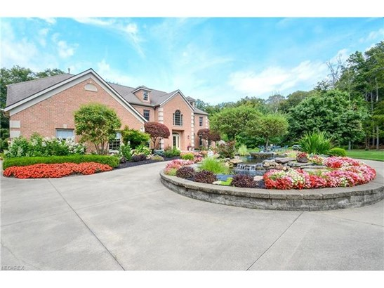 8745 Sanctuary Dr, Kirtland Hills, OH - USA (photo 3)
