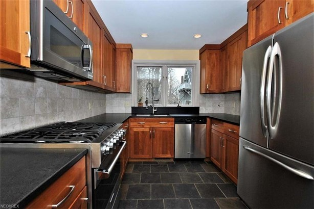 2635 Derbyshire Rd, Cleveland Heights, OH - USA (photo 4)