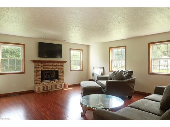 37441 Mayfriars Dr, Willoughby Hills, OH - USA (photo 5)