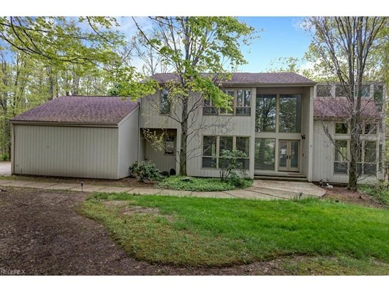 80 Willow Wood Ln, Moreland Hills, OH - USA (photo 2)