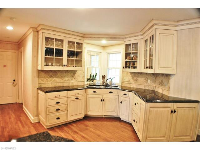 1139 W Hill Dr, Gates Mills, OH - USA (photo 2)