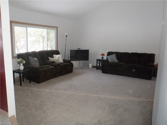 12928 Vincent Dr, Chesterland, OH - USA (photo 4)