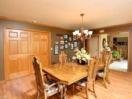 11115 Crab Apple Ct, Strongsville, OH - USA (photo 3)