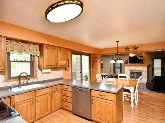11115 Crab Apple Ct, Strongsville, OH - USA (photo 5)