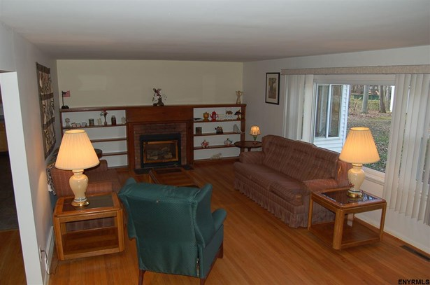 20 Forest Rd, Burnt Hills, NY - USA (photo 4)