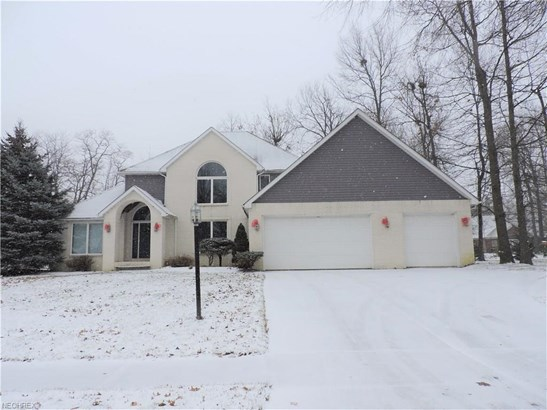 785 Blossom Dr, Amherst, OH - USA (photo 1)