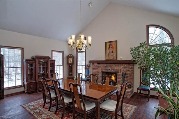 12810 Kingsway Dr, Chesterland, OH - USA (photo 3)