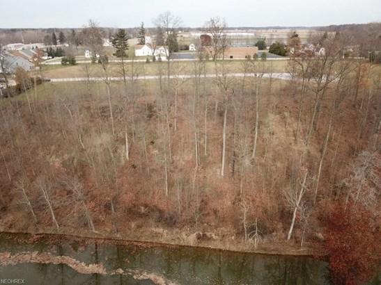 21 Edgewater Ct, Wakeman, OH - USA (photo 2)