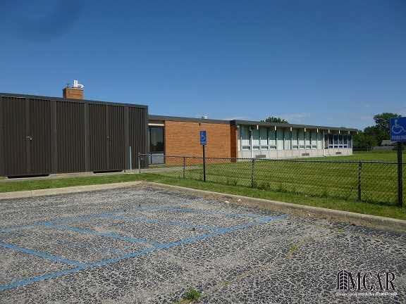 2400 N Dixie, Monroe, MI - USA (photo 2)