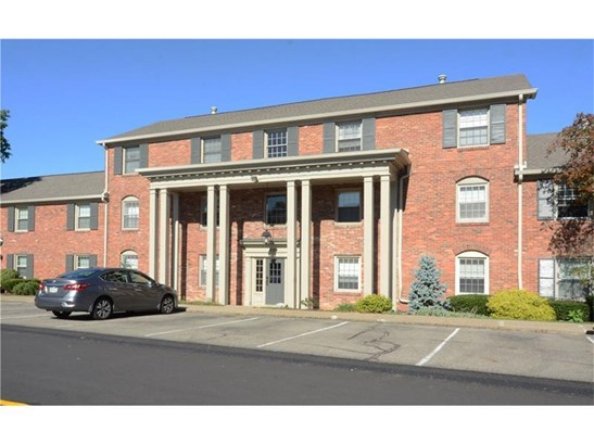 646 Robinwood Dr D, Scott Township, PA - USA (photo 1)