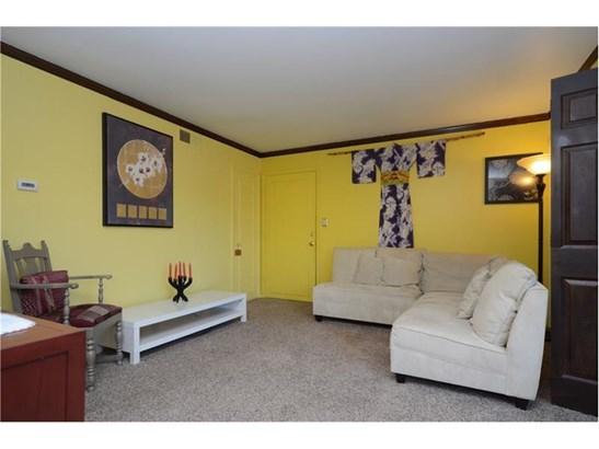 646 Robinwood Dr D, Scott Township, PA - USA (photo 3)