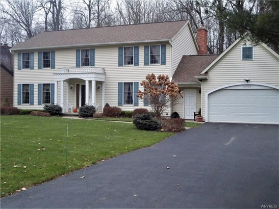 8282 Old Post Road East, Clarence, NY - USA (photo 1)
