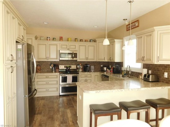6144 Slavin Nw Cir, Canal Fulton, OH - USA (photo 5)