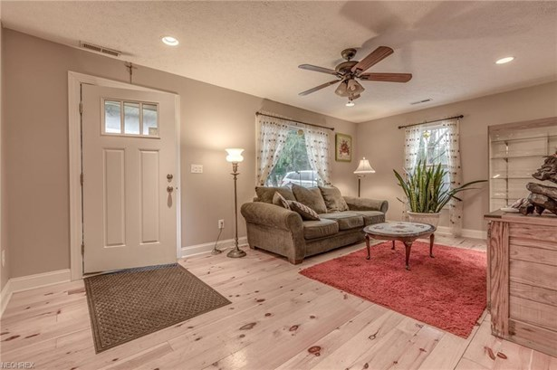 12488 Jackson Dr, Burton, OH - USA (photo 4)