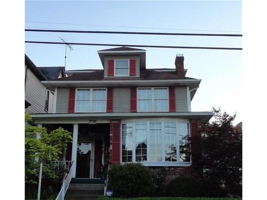 611 Crest Ave, Charleroi, PA - USA (photo 1)