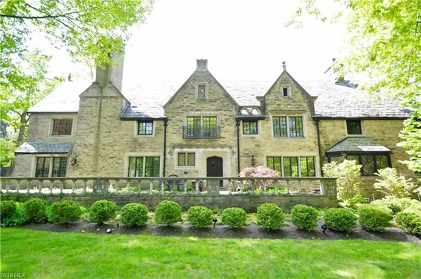 17250 Parkland Dr, Shaker Heights, OH - USA (photo 1)