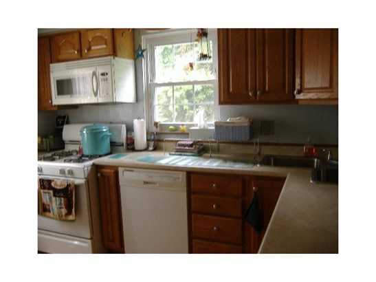 2819 Mckelvey Rd, Braddock Hills, PA - USA (photo 5)