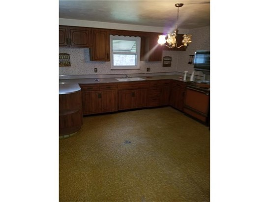 744 Sellers Ave, Jeannette, PA - USA (photo 4)