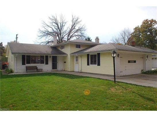 4401 Danberry Dr, North Olmsted, OH - USA (photo 1)