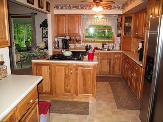 3677 Lyntz Townline Rd, Lordstown, OH - USA (photo 4)