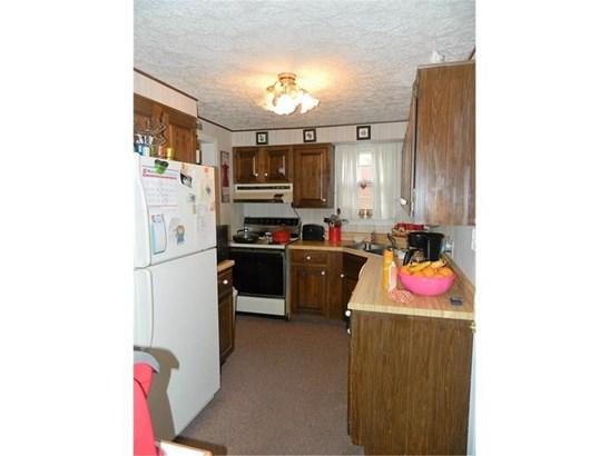 819 Wengler Ave, Sharon, PA - USA (photo 5)