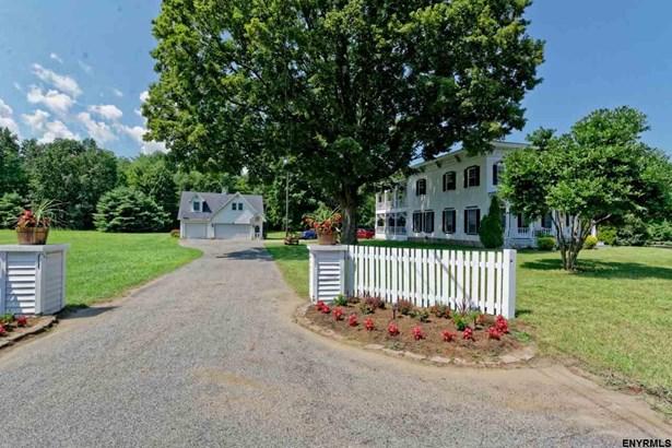 392 Gurn Springs Rd, Wilton, NY - USA (photo 2)