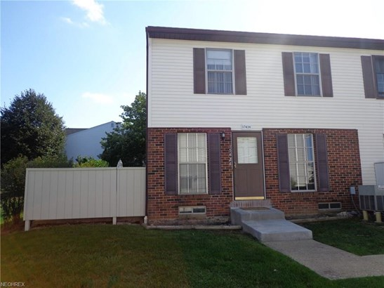17424 Sheldon Rd 45d, Brook Park, OH - USA (photo 1)