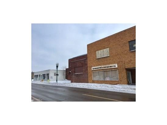 300 Walnut Ne Ave, Canton, OH - USA (photo 2)