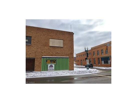 300 Walnut Ne Ave, Canton, OH - USA (photo 3)