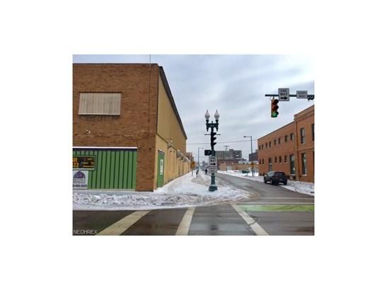 300 Walnut Ne Ave, Canton, OH - USA (photo 4)