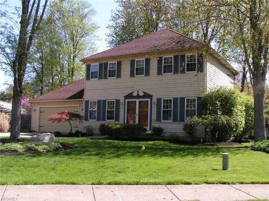8479 Bradfords Gate, Olmsted Falls, OH - USA (photo 1)
