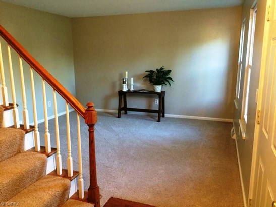 8479 Bradfords Gate, Olmsted Falls, OH - USA (photo 3)