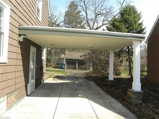 5875 Wickfield Dr, Parma Heights, OH - USA (photo 2)