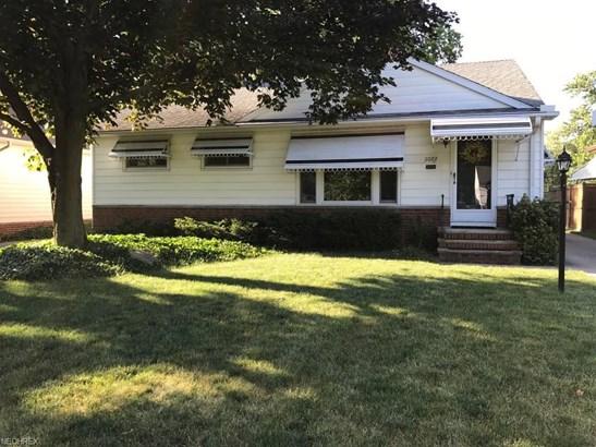 11072 Barrington Blvd, Parma Heights, OH - USA (photo 1)