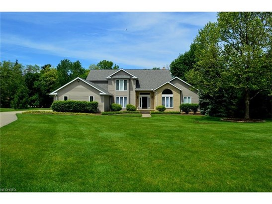 35051 Glen Kyle Ln, Willoughby Hills, OH - USA (photo 2)