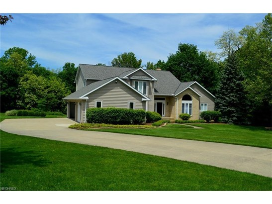 35051 Glen Kyle Ln, Willoughby Hills, OH - USA (photo 3)